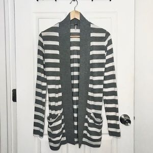 Long Cozy Gray White Striped Sweater Pockets